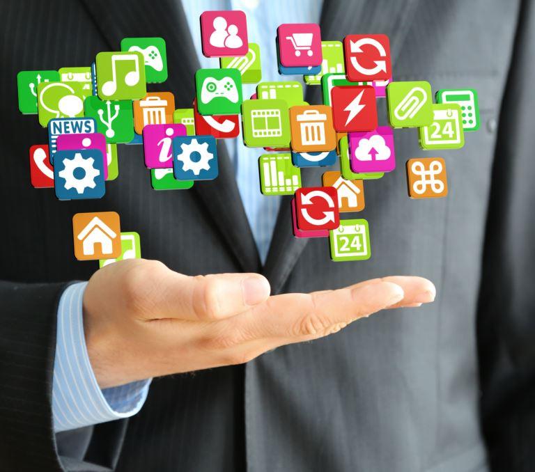 Digital signage yazılımı, medya içerikleri oynatabilen ve ekran yönetimi sağlayabilen bir yönetim sistemidir
