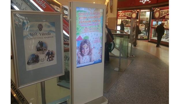 Erzurum AVM Totem Dijital Poster