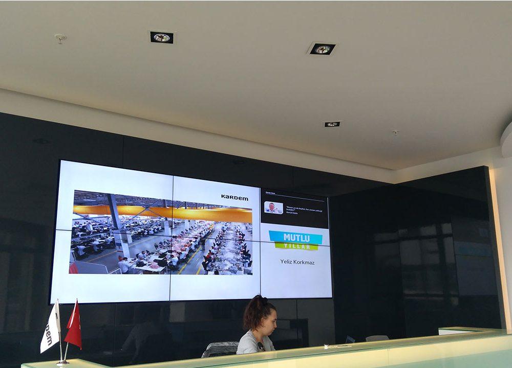 Kardem Tekstil Yeni Plazasında Videowall ve Digital Signage Olarak Temas Teknoloji Çözümlerini Kullandı